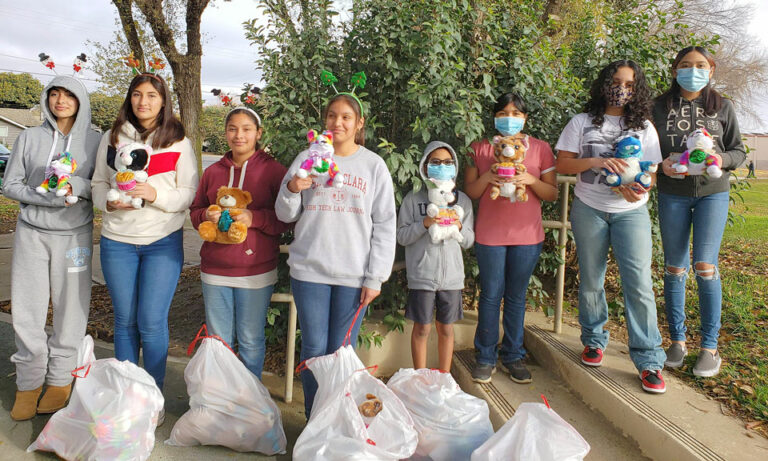 King City Blue Ribbon 4-H members decorate stuffed animals for Greenfield seniors